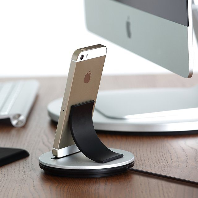 Just Mobile AluBolt for iPhone and iPad mini