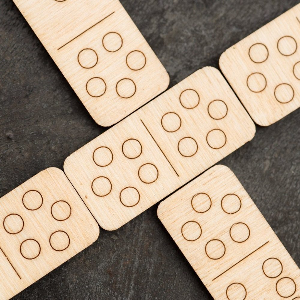 Walnut Studiolo Travel Dominoes
