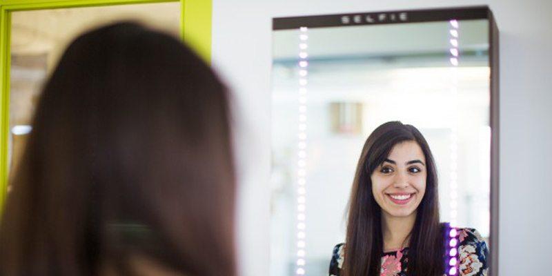 A mirror to take Selfies