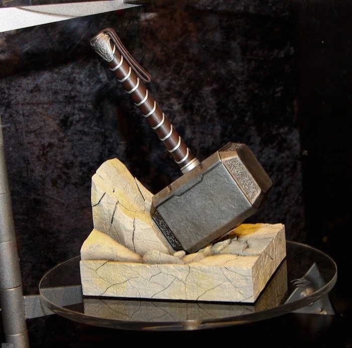 Gentle+Giant+Thor+Hammer+Bookend