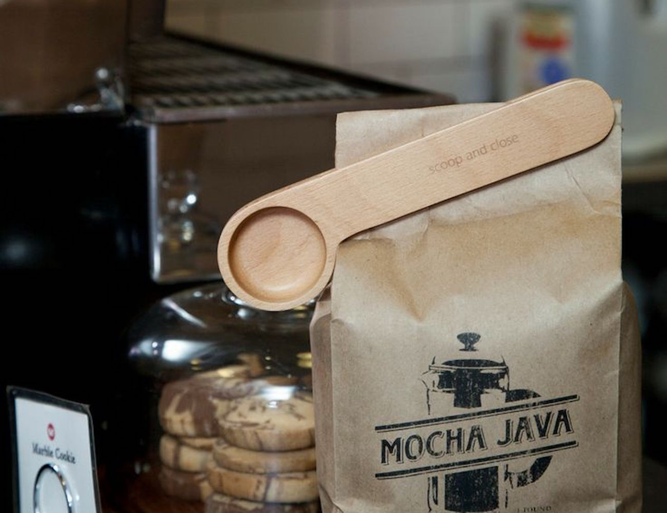Wood Coffee Clip by Kikkerland