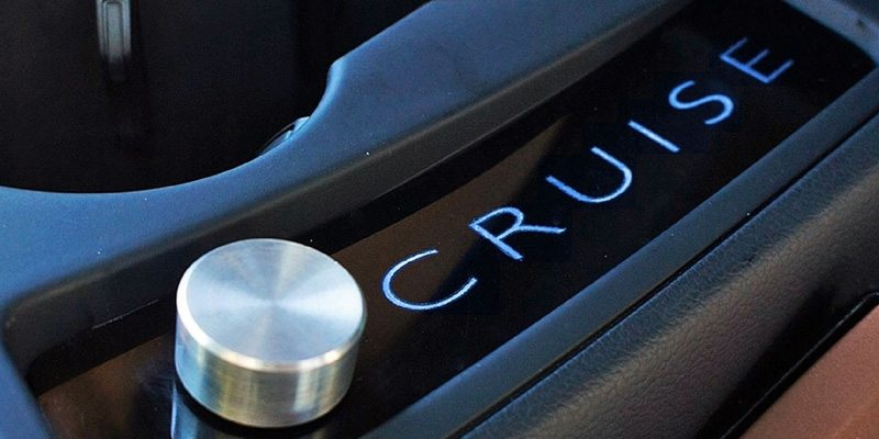 Cruise self-driving device