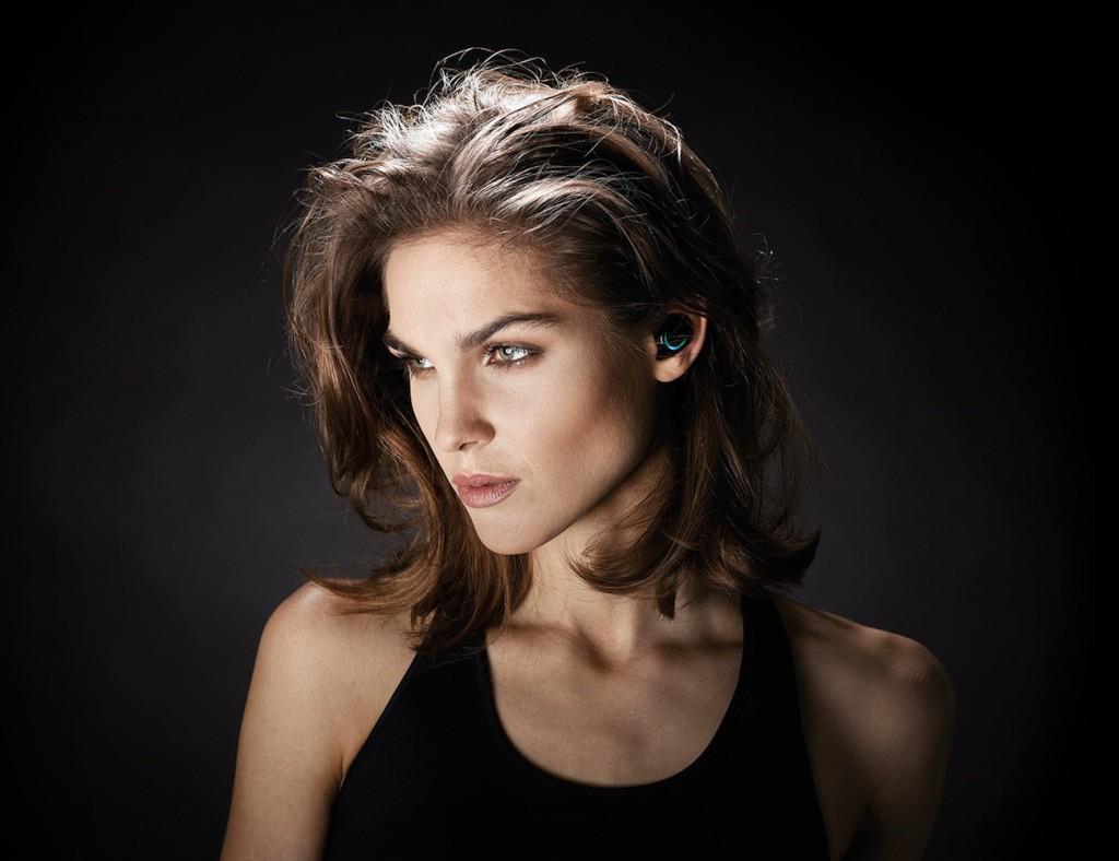 Bragi-Dash-Wireless-Smart-Earphones-3-Features-in-1-product-01