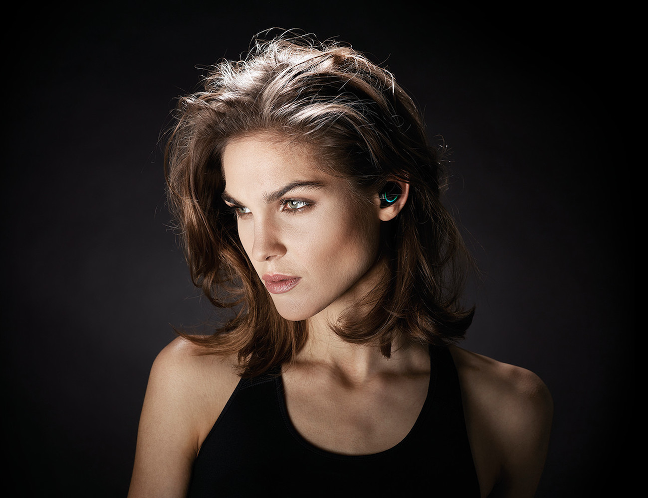 bragi-dash-wireless-smart-earphones-3-features-in-1-product-01-2