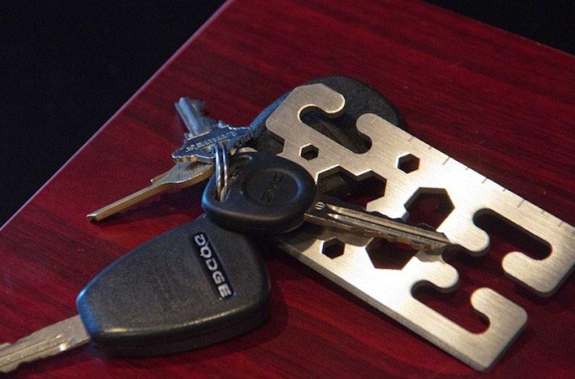 cloak-and-dagger-titanium-multi-tools-knotless-gear-ties-03