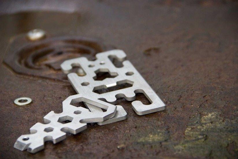 cloak-and-dagger-titanium-multi-tools-knotless-gear-ties-08