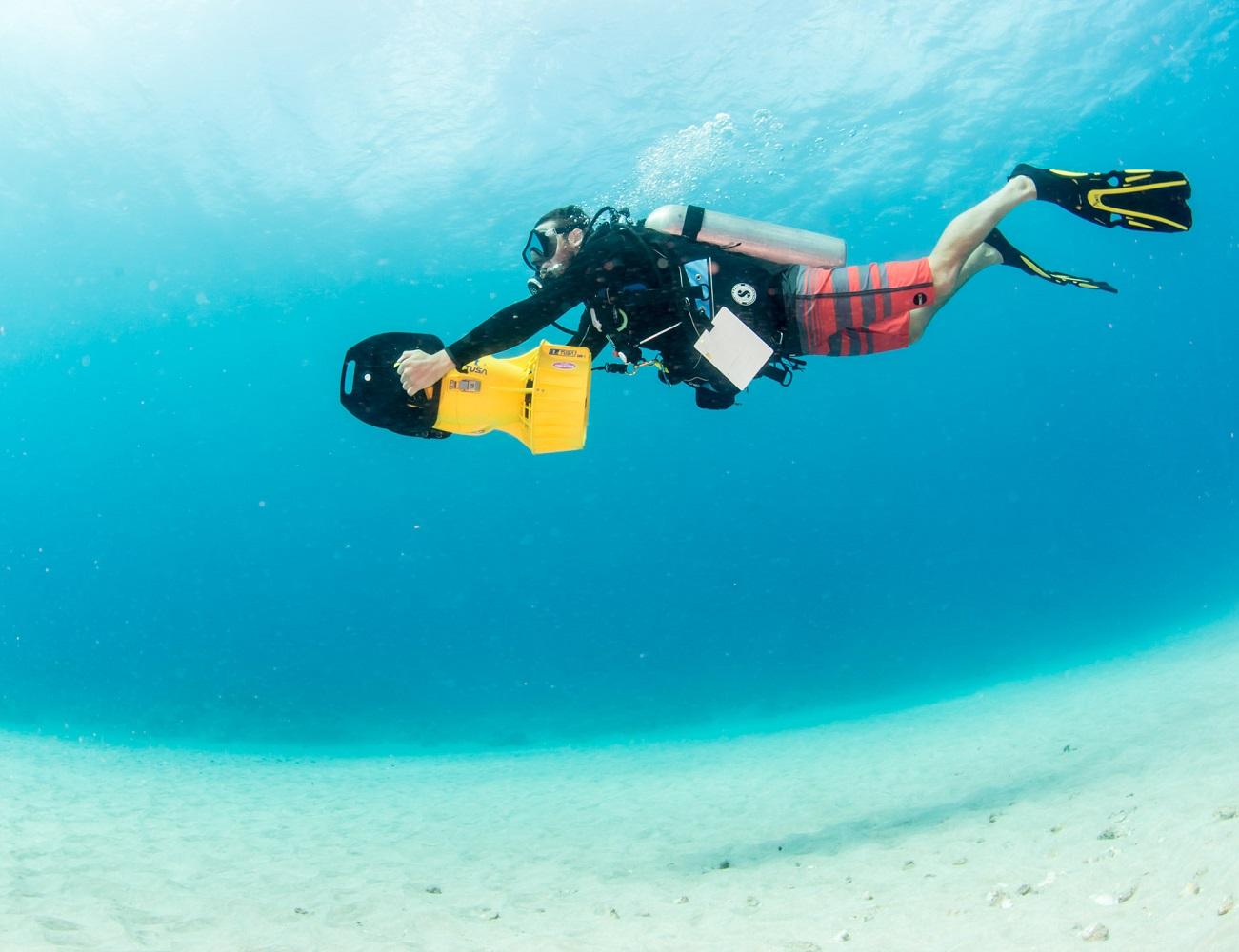 SAV-7 Underwater Scooter by Tusa