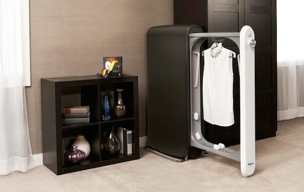 """Swash """"Refreshes"""" Delicate Clothes Between Dry-Cleaning"""