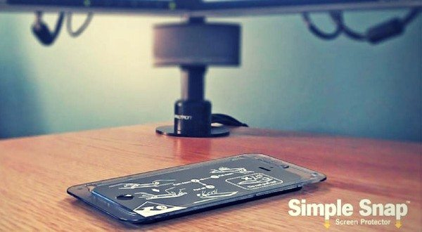 Simple Snap™ Eradicates the Grueling Installation Process With an Easy to Use iPhone and iPad Screen Protector