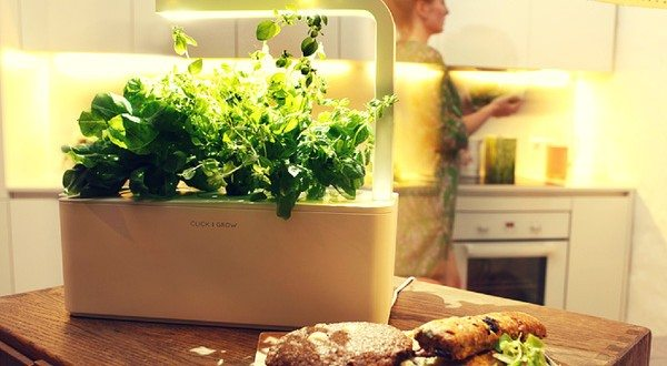 Smart Herb Garden Originates an Impressive Indoor Gardening Technology Inspired From NASA Smart Soil