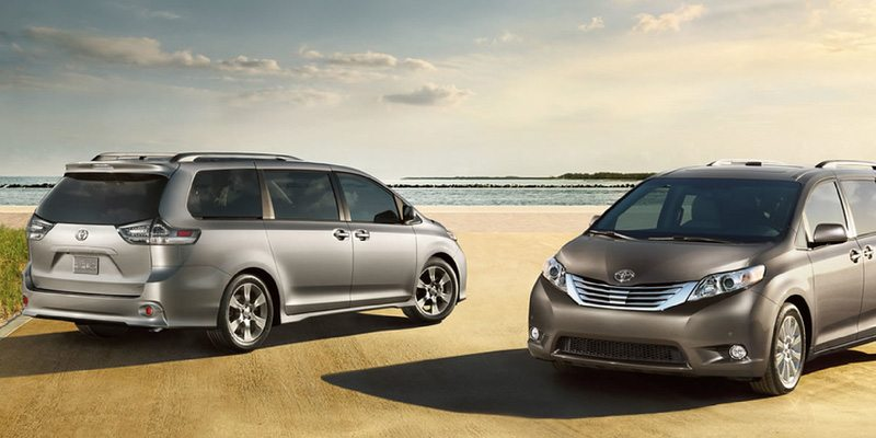 Toyota Sienna Minivan is Perfect for a Family Outing