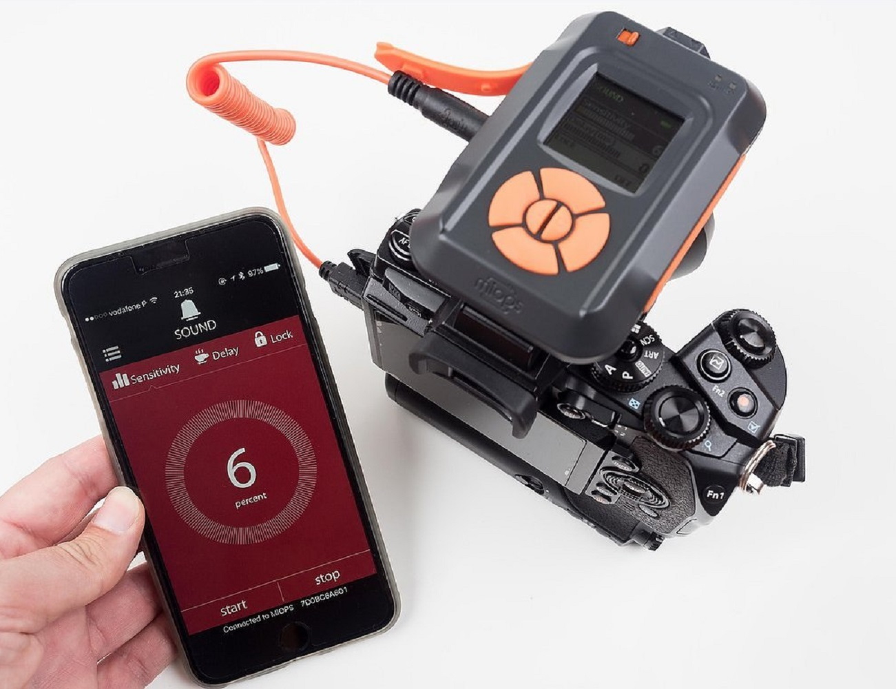 MIOPS – Smartphone Controllable Camera Trigger for High Speed Photography
