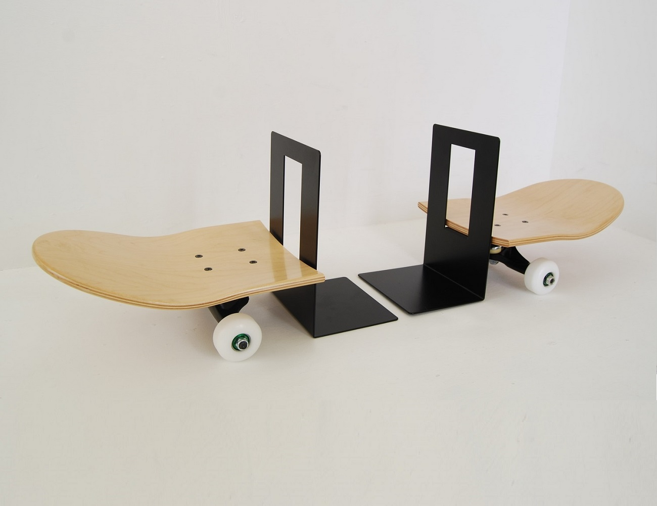 Tail and Nose Bookends by Skate-Home