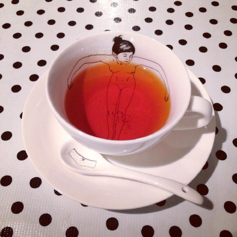 Bathing Girls Tea Set