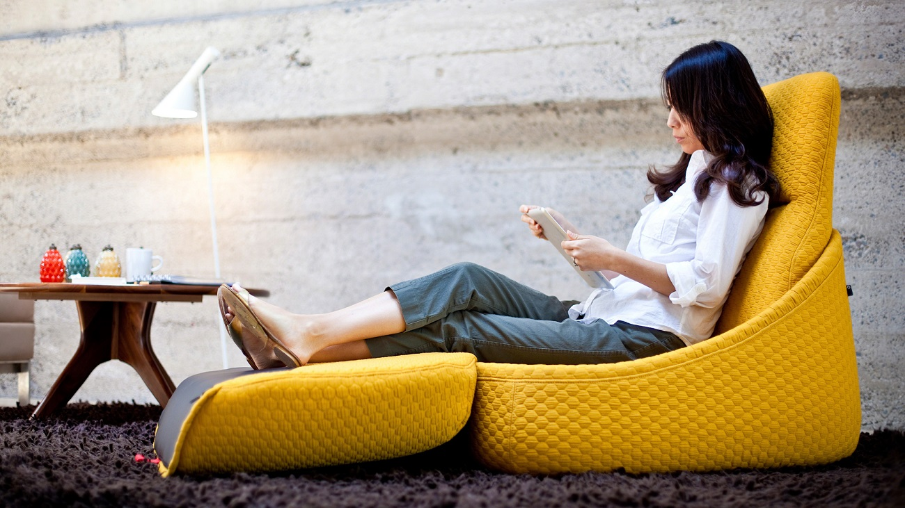 Hosu Convertible Lounge by Patricia Urquiola