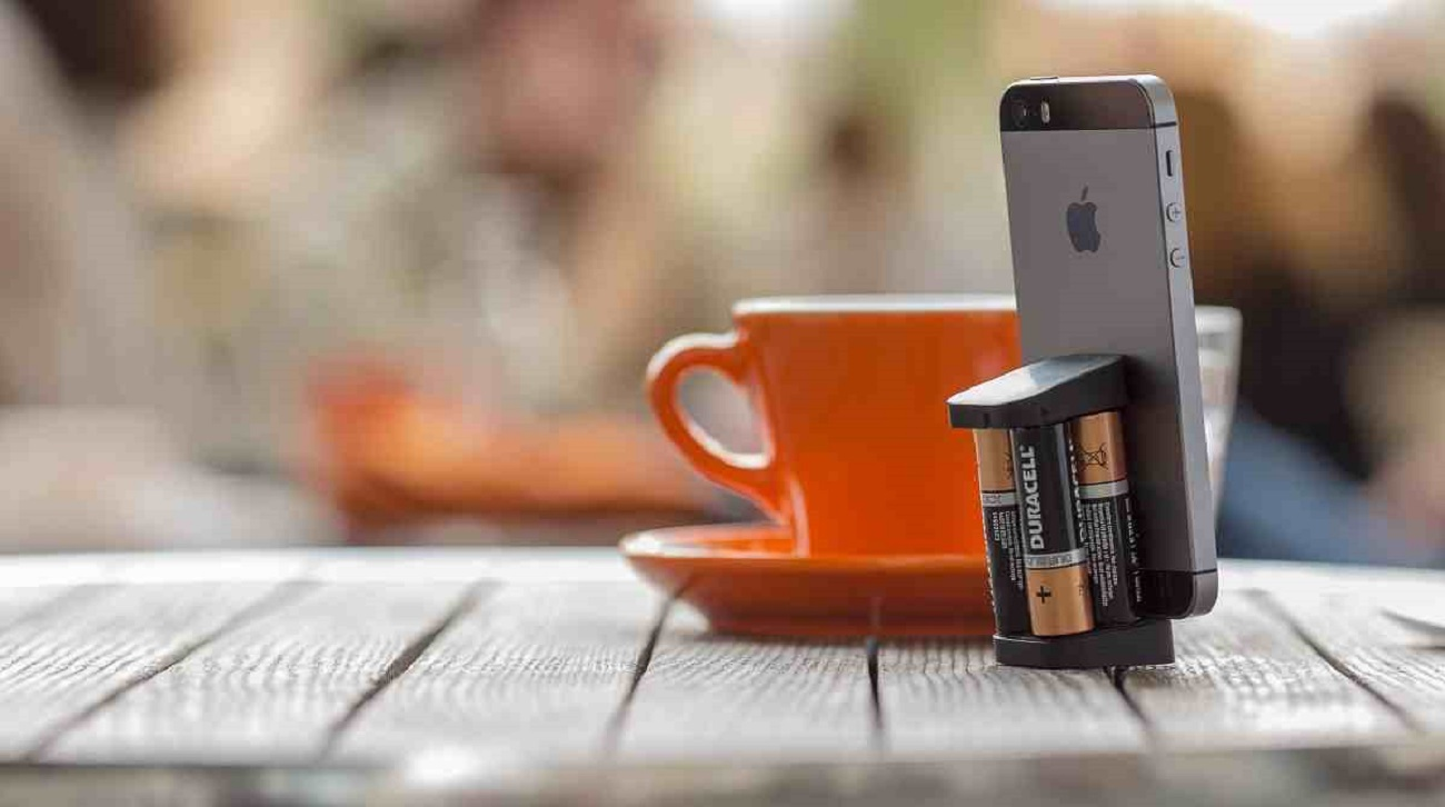 oivo the smallest iphone charger on the go gadget flow. Black Bedroom Furniture Sets. Home Design Ideas
