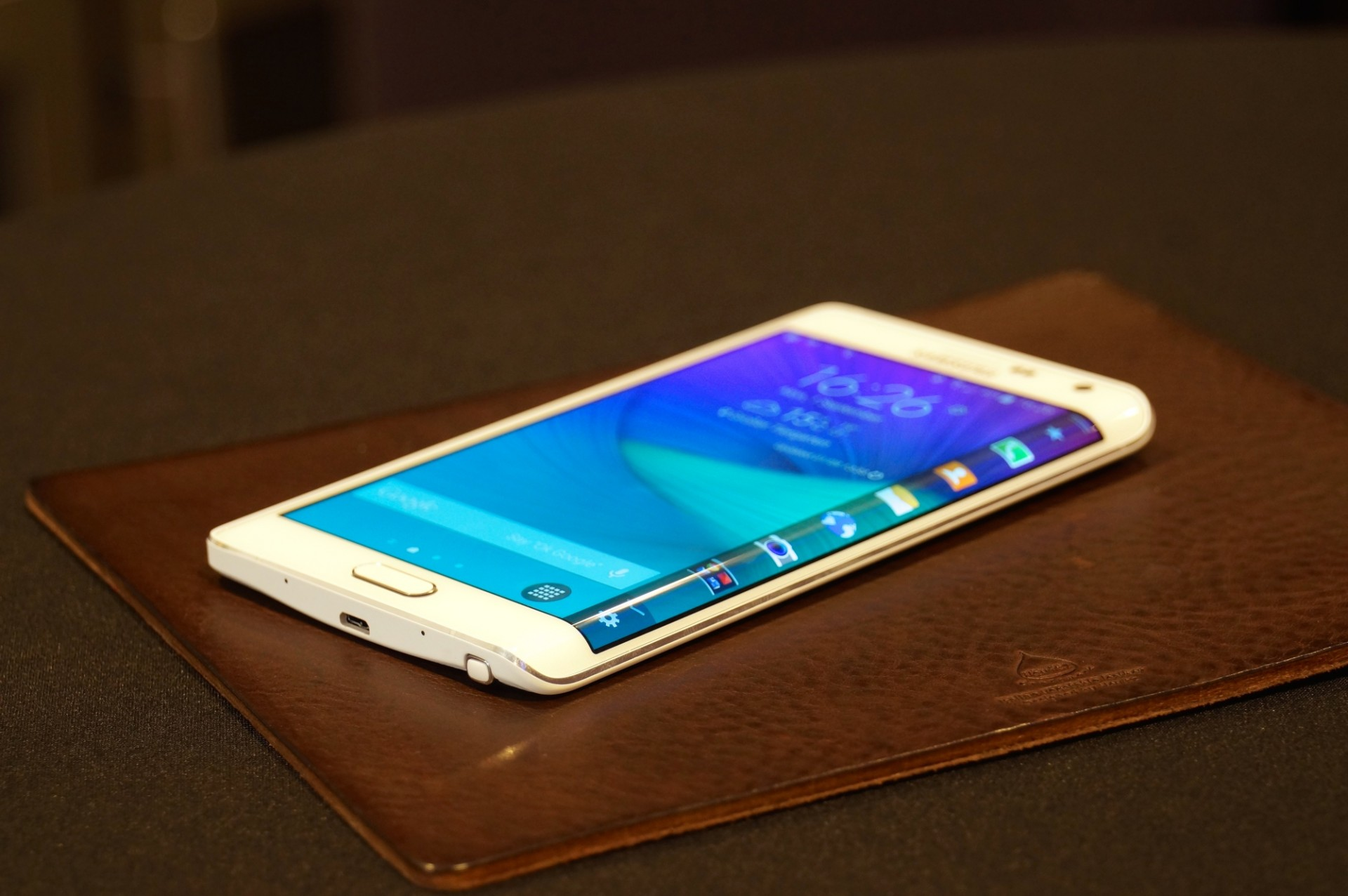 Samsung Galaxy Note Edge: Innovative Screen Technology but is it Truly Practical?