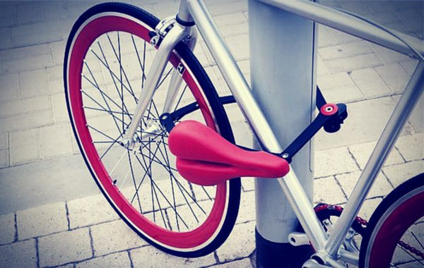 Seatylock Makes Urban Bicycling a Convenient Ride With a Crackerjack Bike Saddle and Bike Lock Combo