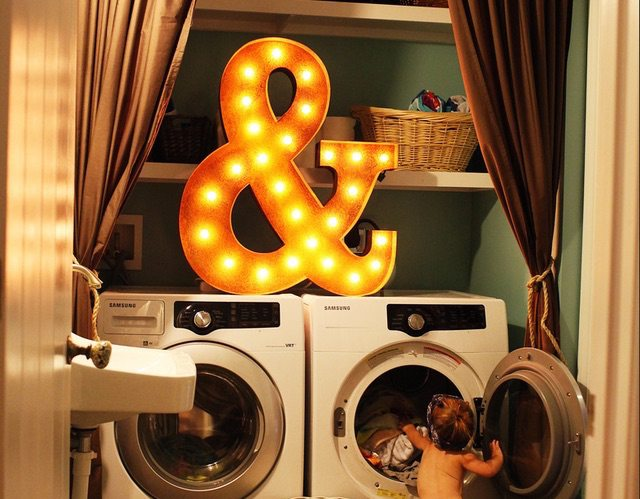 36%26%238243%3B+Ampersand+%26amp%3B+Sign+By+Vintage+Marquee+Lights