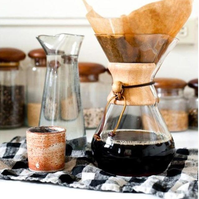 chemex-glass-coffeemaker-01