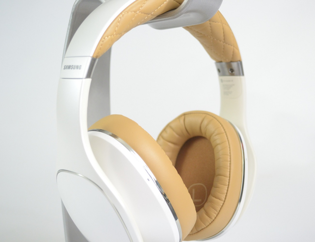 Level-Over Wireless Over-ear Headphones