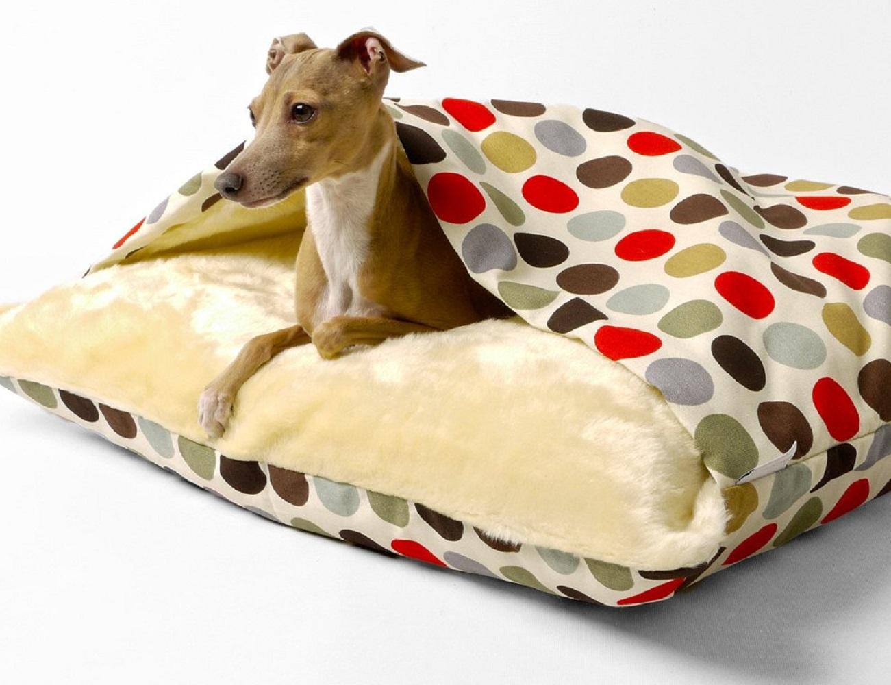 Snuggle Pet Bed by Charley Chau