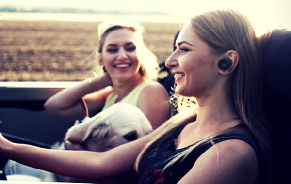 Earity Voice-Controlled Earbuds Bring Distraction-Free Conversations