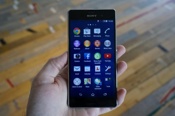 Sony Xperia Z3 Plays It Safe: Is It Still A Top Flagship or Has It Sunk?