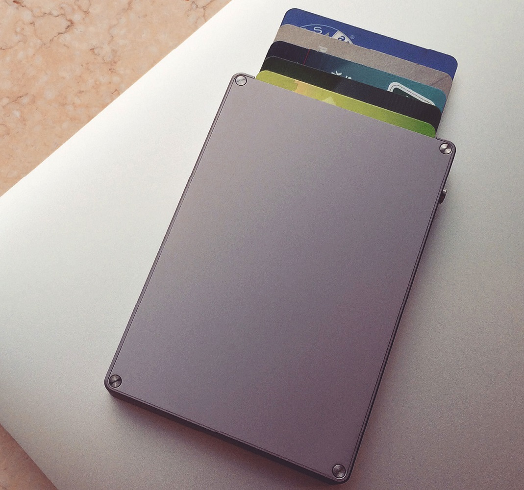 Cascade Wallet – Simplify Your Everyday Carry