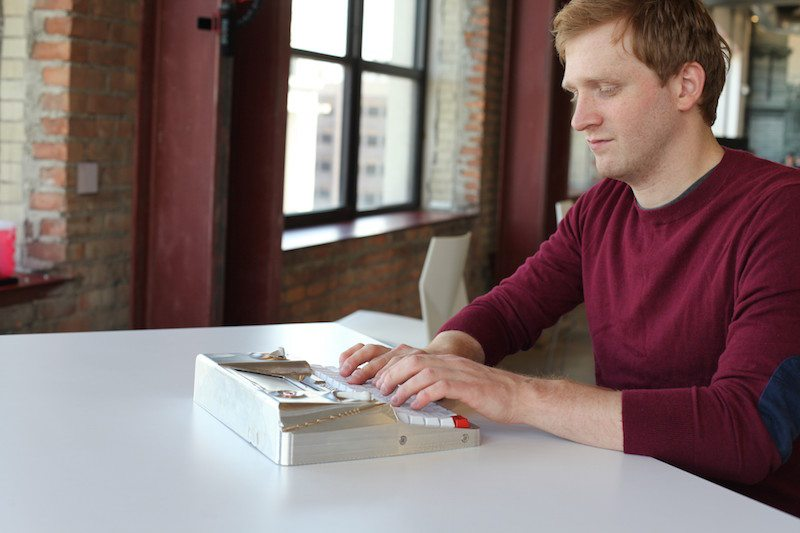 Hemingwrite digital typewriter being used at the office