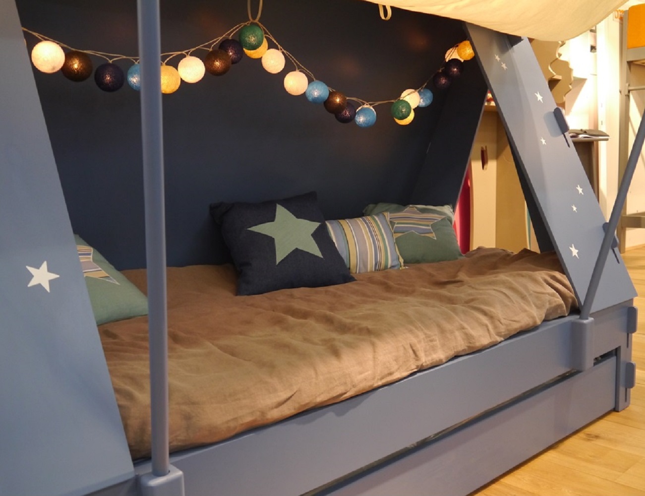 Kids Tent Cabin Canopy Bed