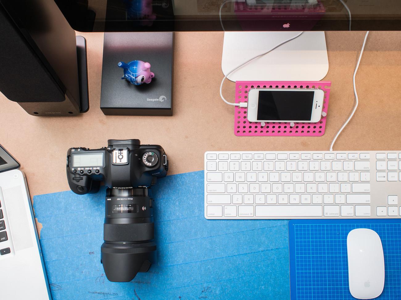 Peg: Desktop Organizer