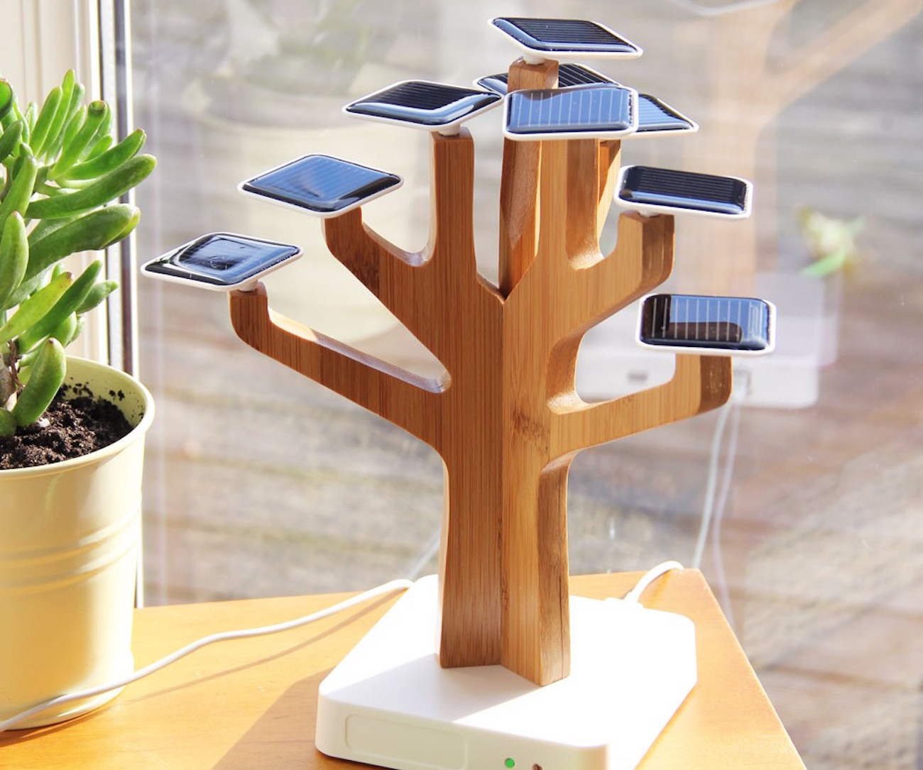 Solar Suntree Nature Inspired Charger Review 187 The