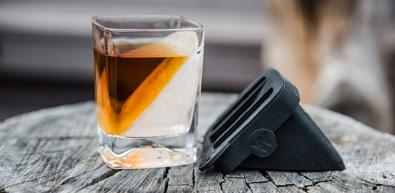 The+Whiskey+Wedge+By+Corkcicle