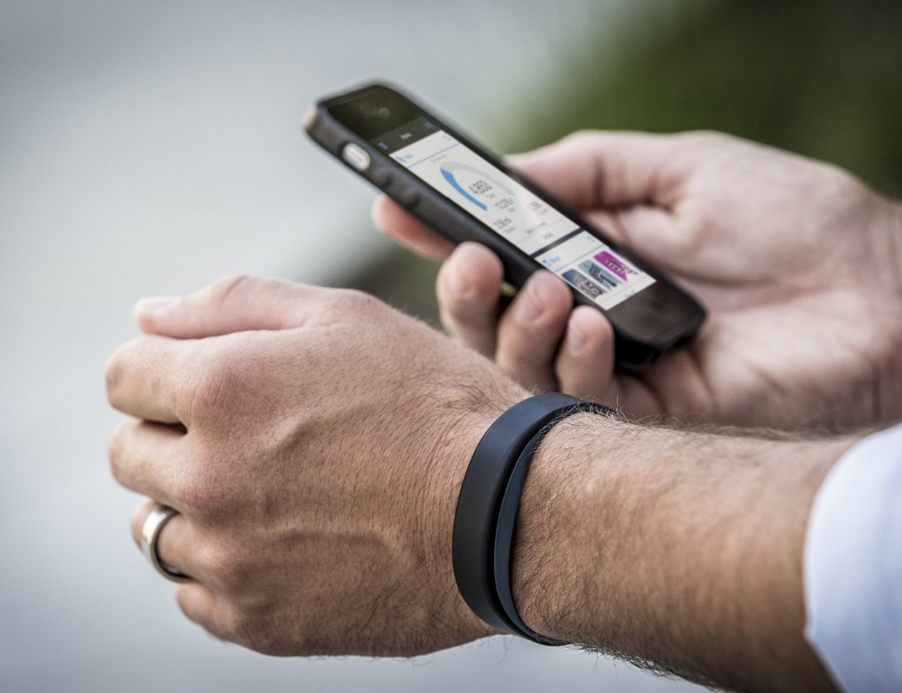 Vivosmart Activity Tracker by Garmin