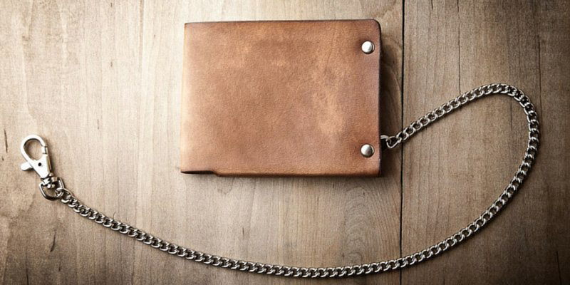 Minimum leather wallet with chain