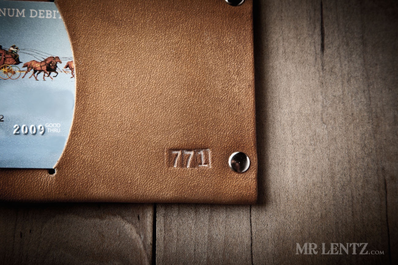 thin-bifold-leather-wallet-western-brown-0134