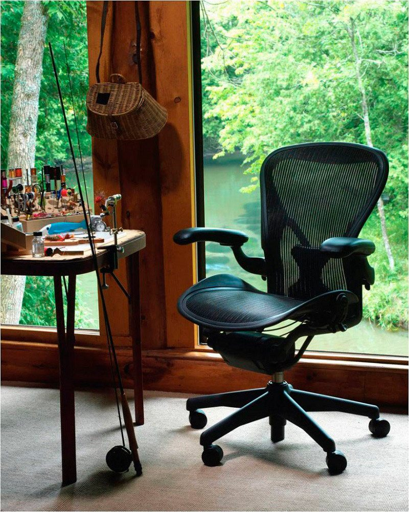 legs aeron herman and awesome give stylish office look elegant for with metal wheels marroon chair parts armrests black design miller