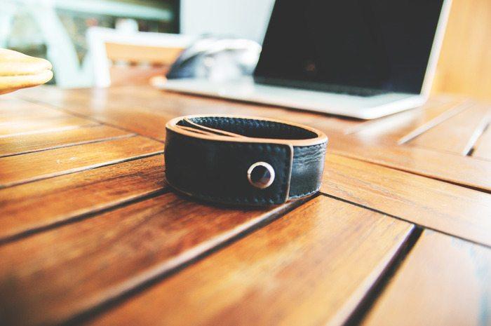 bracelet-charging-cable-04