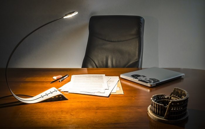HOKU – The LED Lamp that brings Natural Light to your Desk