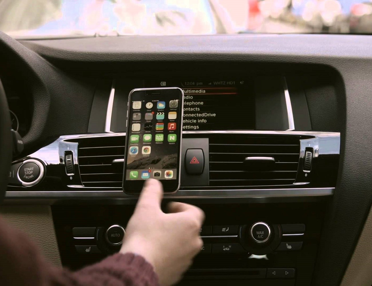Magnetic Vent Mount iPhone 6 by iOttie