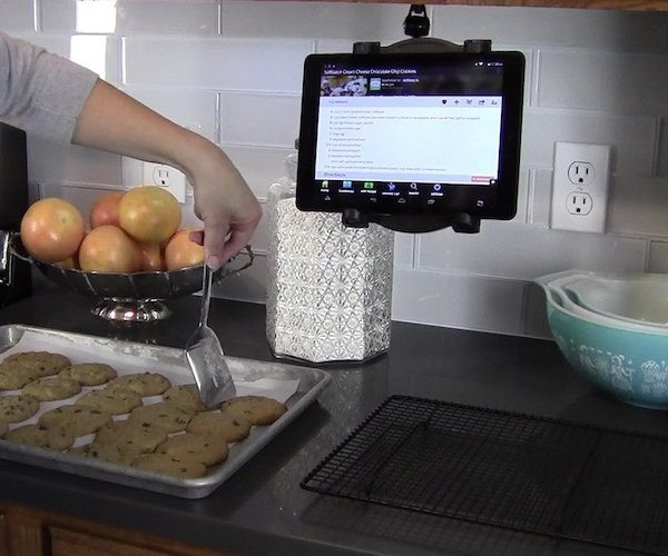 Recipe Reader – The 10-inch HD Tablet for the Kitchen