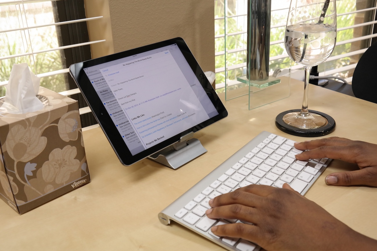 Sarvi Dock Designed for Apple And Android devices