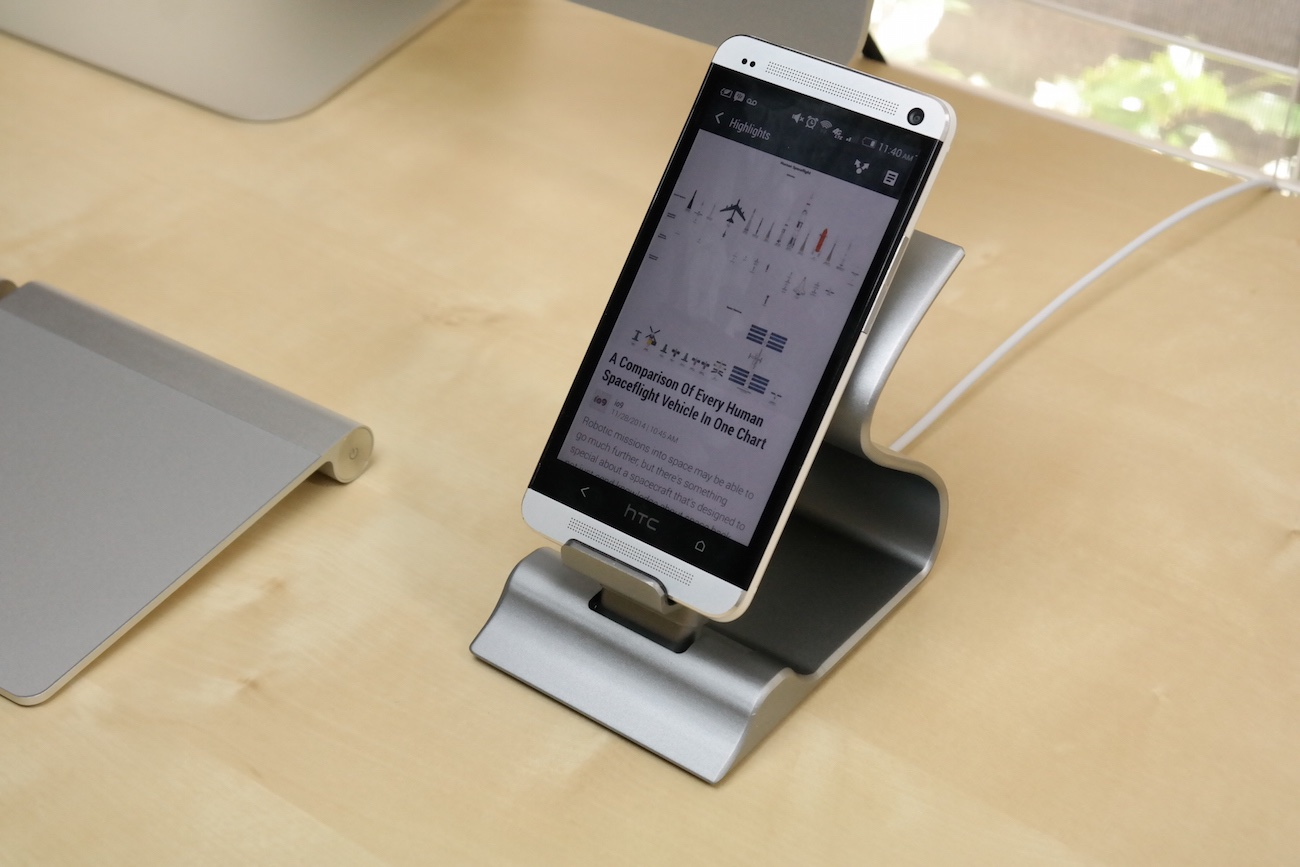 sarvi-dock-for-apple-and-android-devices-06