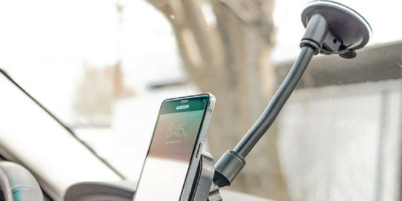 The Air Dock 2.0 smartphone car charger