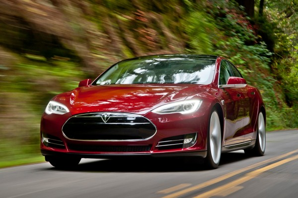 Tesla Model S P85D: The Electric Luxury Car of the Future is Here