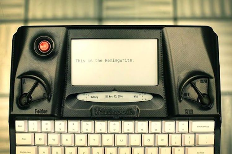 Hemingwrite+%26%238211%3B+A+Distraction+Free+Digital+Typewriter