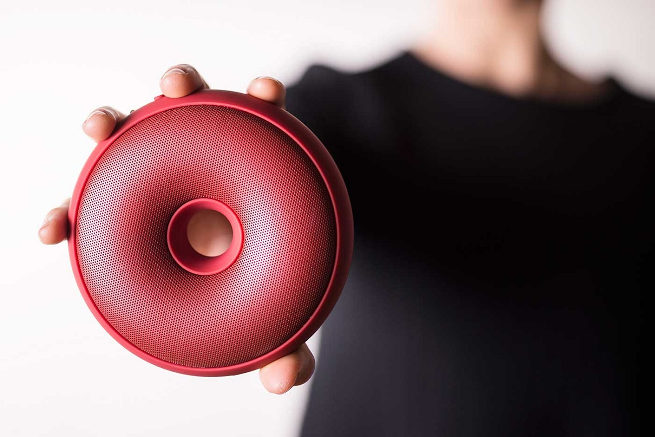 Hoop Speaker by Lexon – Wearable Speaker as a Hoop
