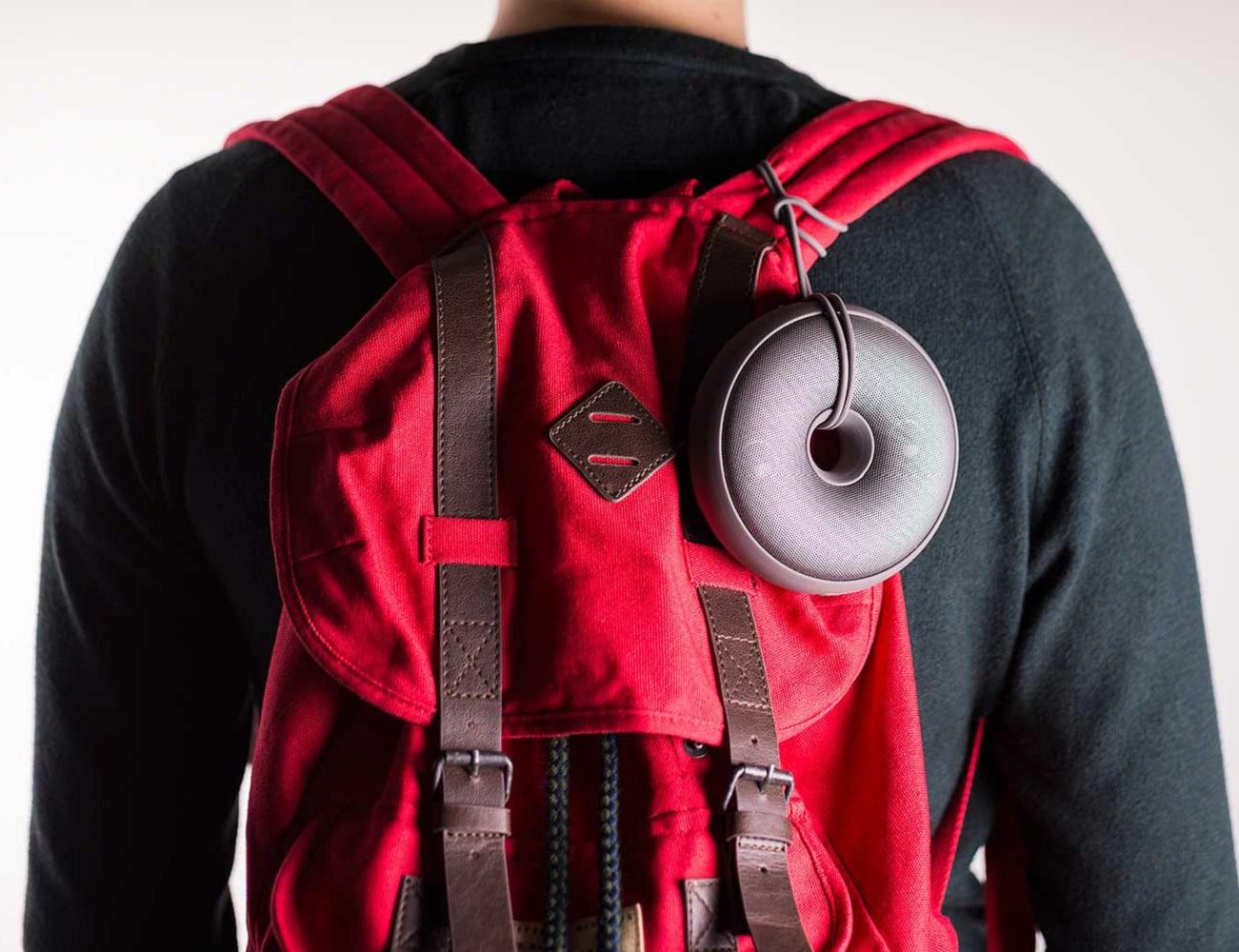 Hoop Speaker by Lexon – Wearable Speaker as a Hoop