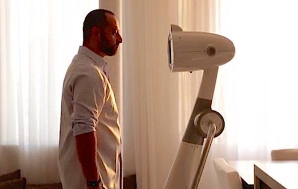 Luna is Man's Latest Attempt to Make Robots Human